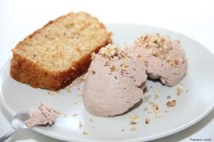 4 cake pralin et mousse glacée au chocolat